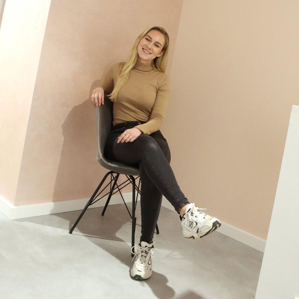 charlene-stoelvierkant